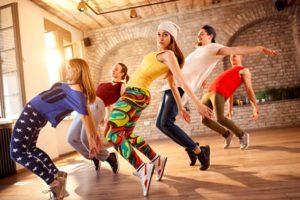 振り付けを誰よりも早く覚えるためのダンス練習方法を4つのステップに分けて紹介!