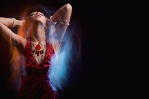 ダンスを魅力的に変えるオーラの出し方、テーマパークダンサーを目指すダンス専門学校